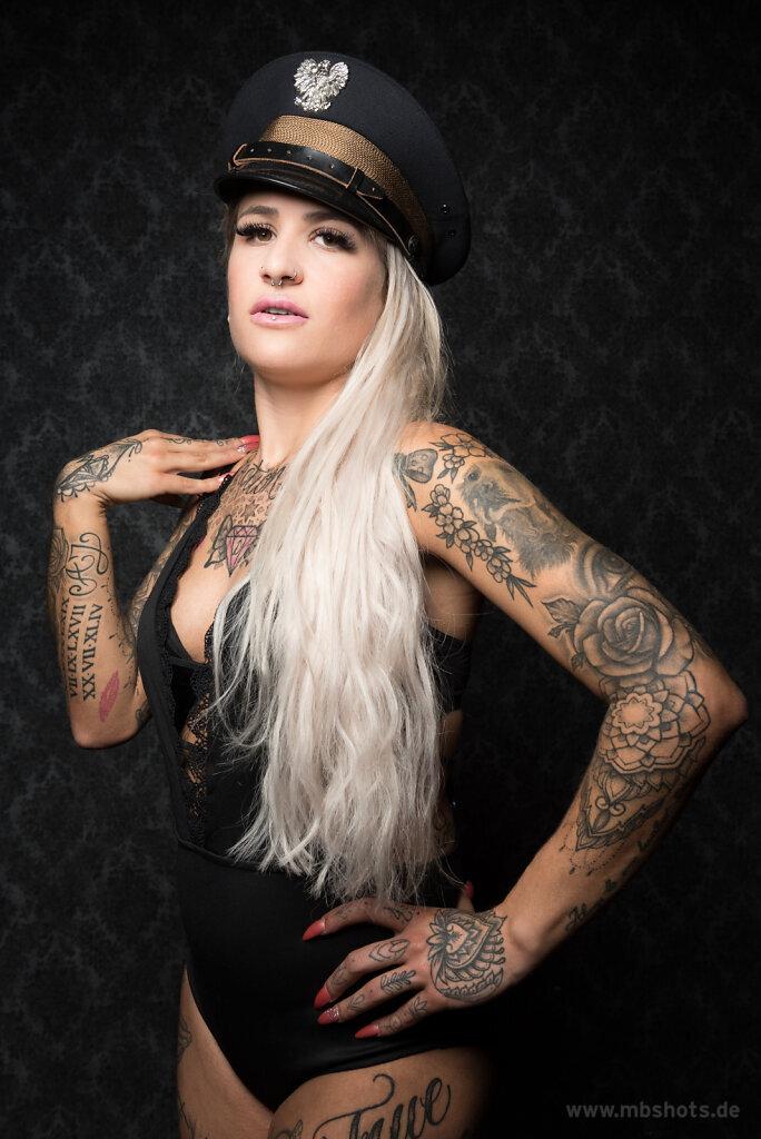 Dessous & Tattoos