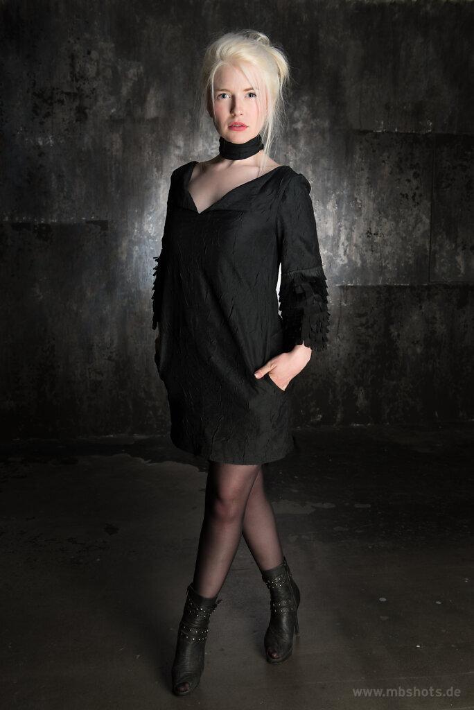 Schwarzes Kleid 2