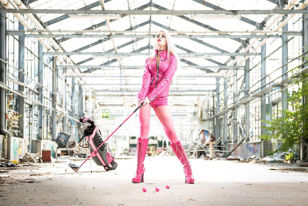 Golf im Glashaus